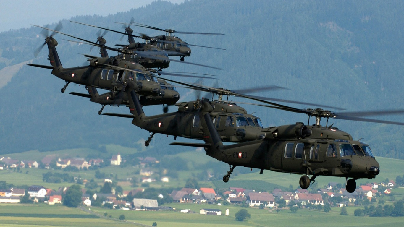 6 die in Philippine military's helicopter crash