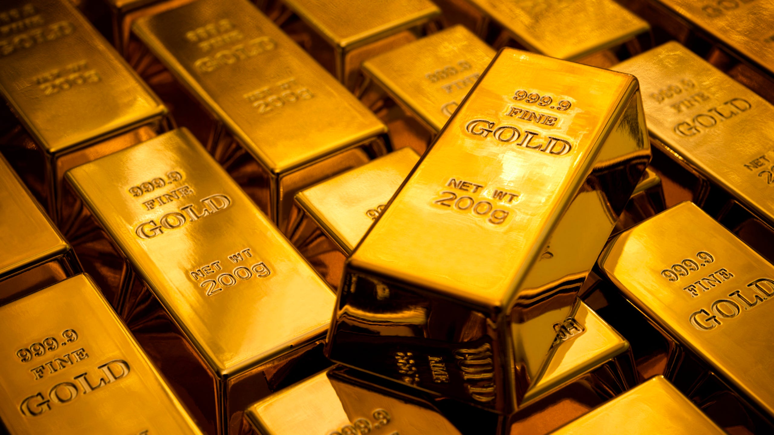 The price of gold and silver has declined