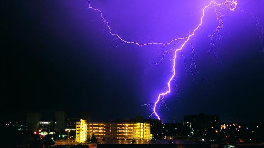 Father killed, daughter and granddaughter injured in lightning strike