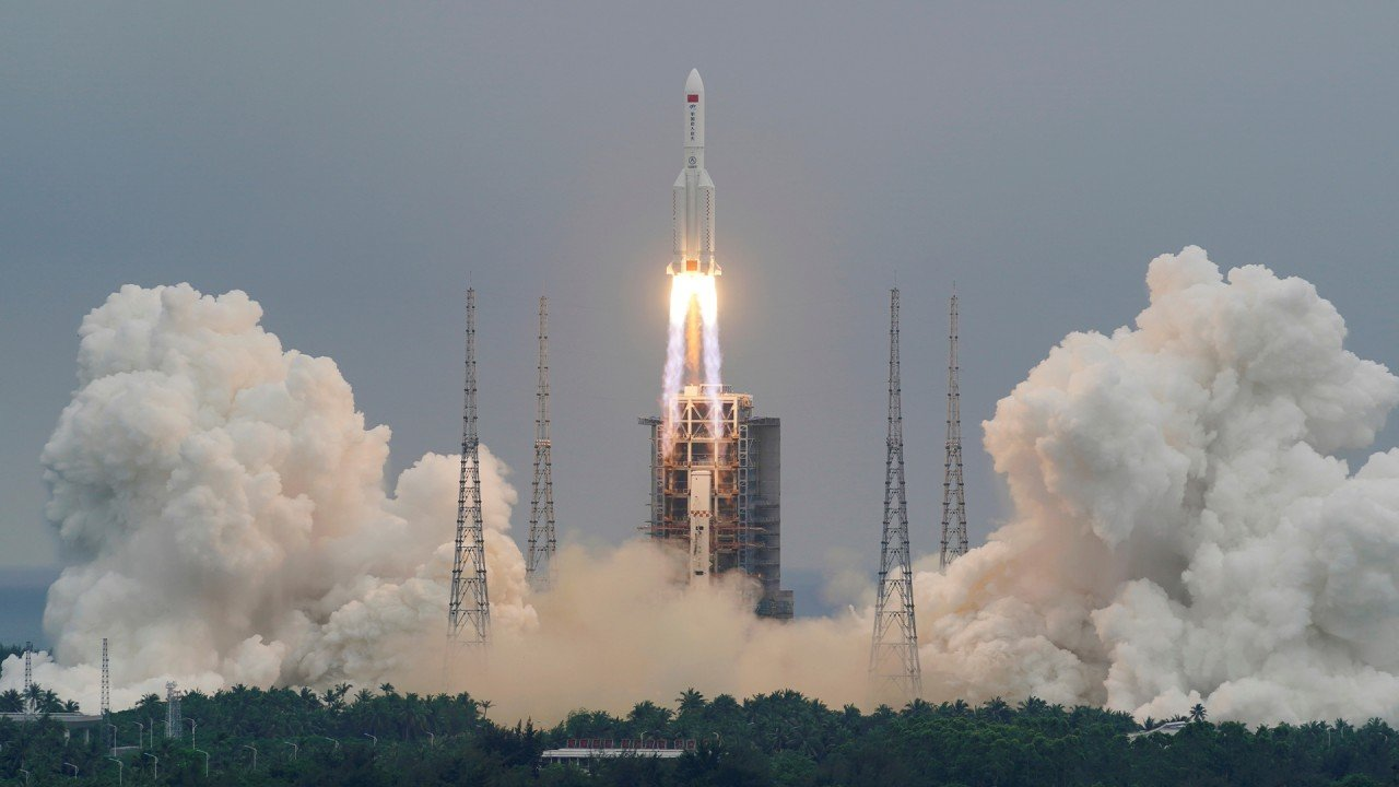 China prepares for space shuttle flight next week
