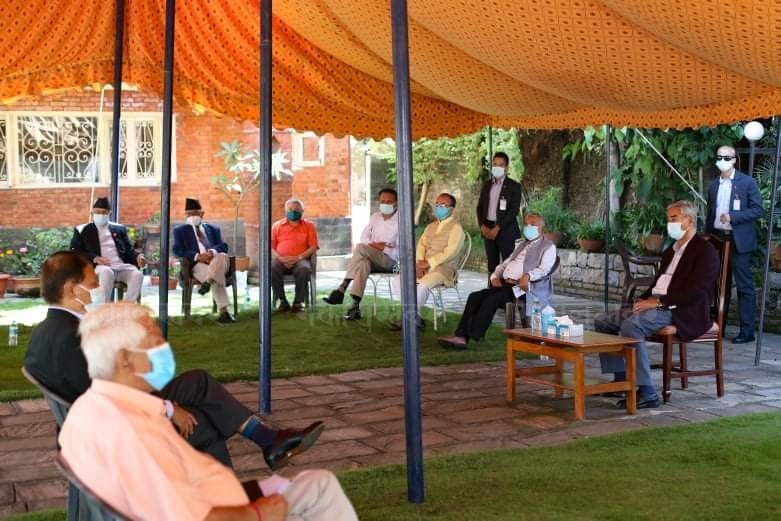 Congress meeting: Leaders' stand that the general convention should be held on the pre-determined date