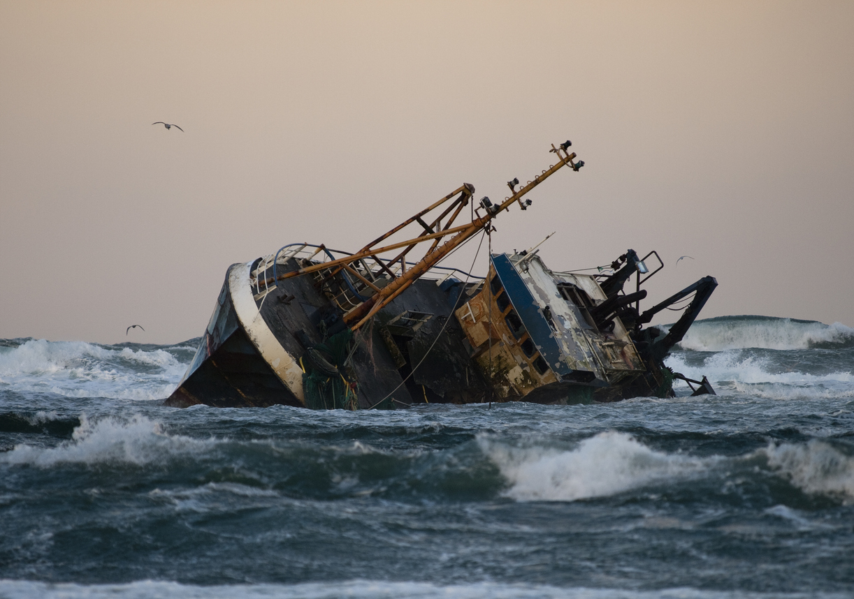 10 dead in shipwreck near Indonesia's Bali, 16 remain missing