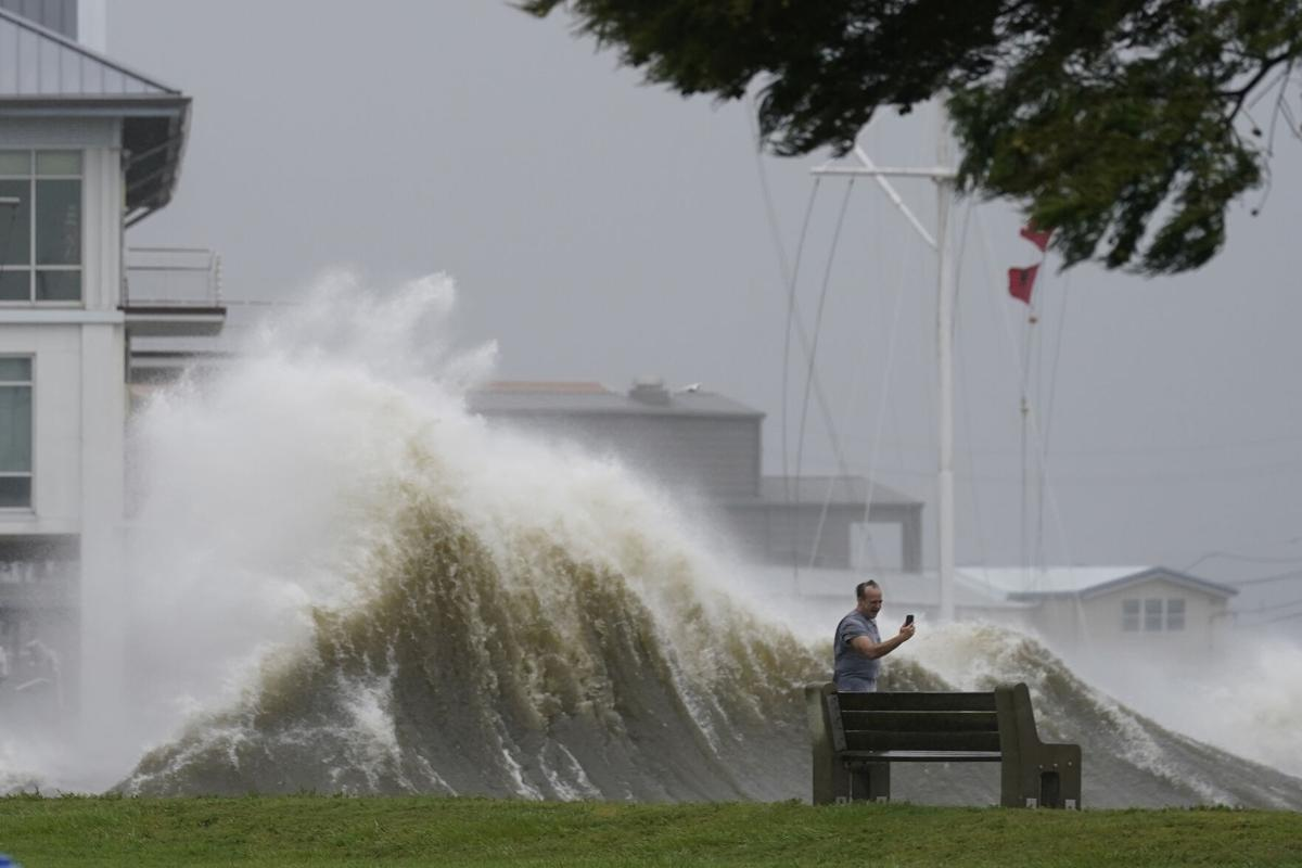City of New Orleans loses power due to Hurricane Ida
