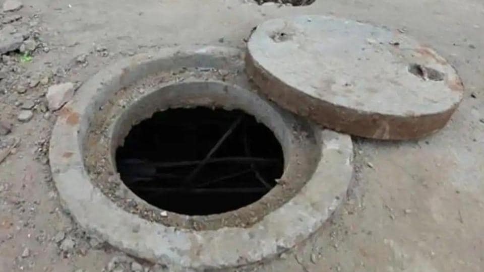 3 laborers killed after inhaling toxic gas inside sewage tank in India