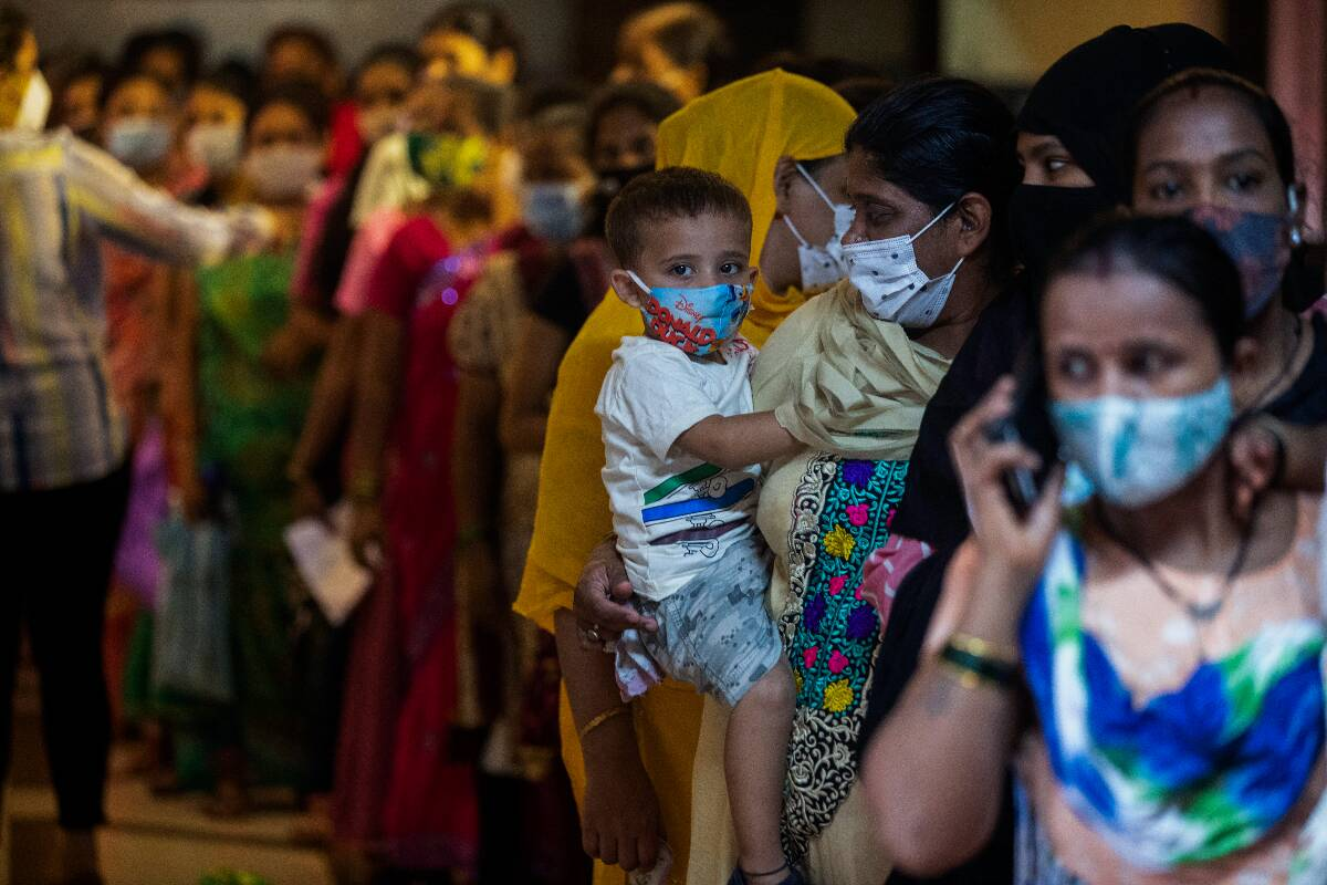 India reports 34,403 new COVID-19 cases