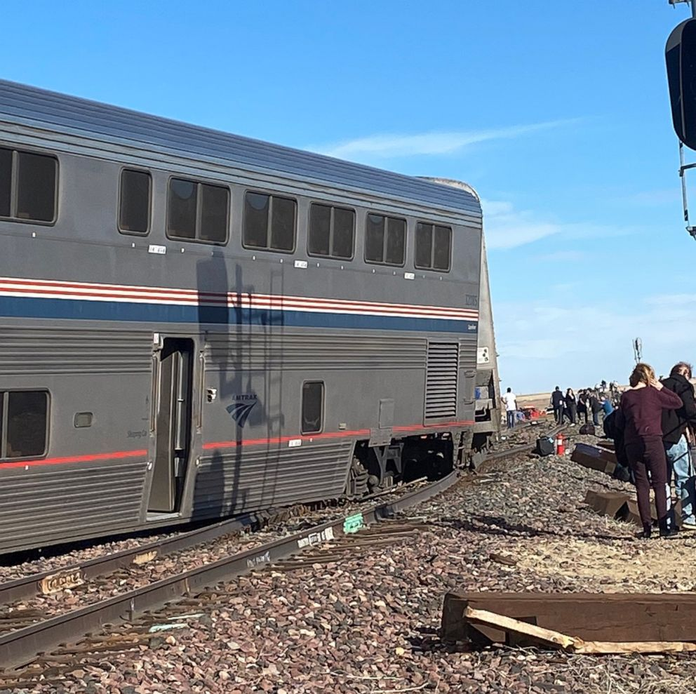 At least 3 dead in U.S. passenger train derailment