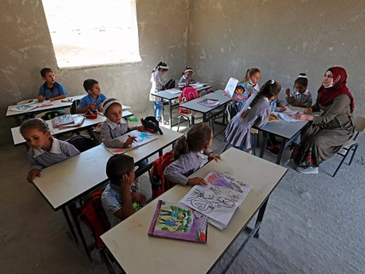 COVID-19: Israel bans unvaccinated teachers from teaching
