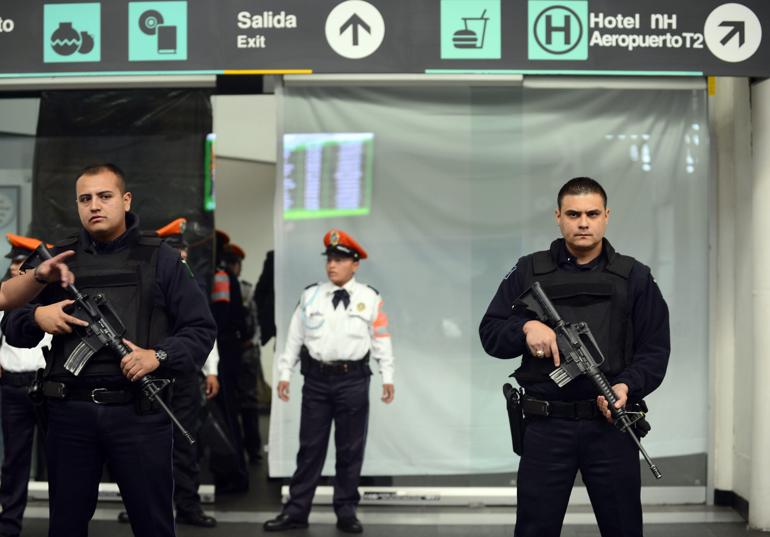 Suspect killed in shootout at Mexico City Int'l Airport
