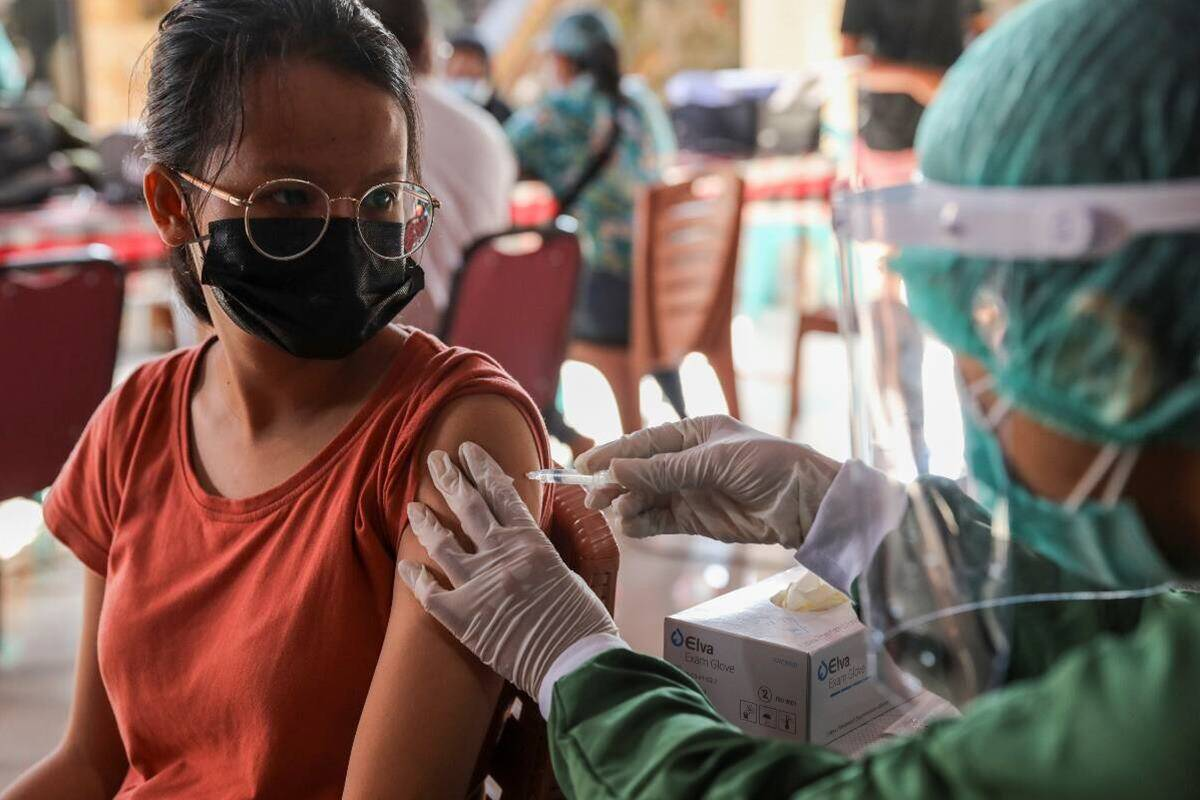 India reports 15,823 new COVID-19 cases